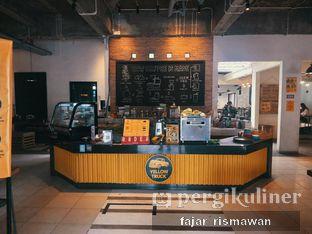 Foto 1 - Interior di Yellow Truck Coffee oleh Fajar | @tuanngopi