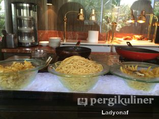 Foto 23 - Makanan di The Cafe - Hotel Mulia oleh Ladyonaf @placetogoandeat