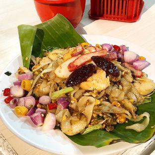 Foto 1 - Makanan(Kwetiau goreng isi) di Kwetiau Arang Sister oleh Patricia.sari