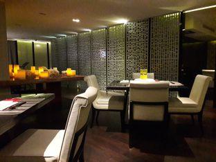 Foto 9 - Interior di Aoki Japanese Cuisine - Hotel Gran Mahakam oleh Michael Wenadi