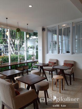 Foto 4 - Interior di Caffeine Suite oleh Selfi Tan
