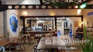Foto 6 - Interior di Kona Koffie & Eatery oleh UrsAndNic