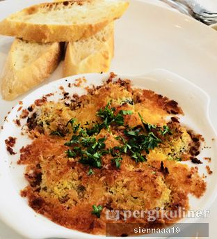 Foto 1 - Makanan(Platter of ESCARGOTS) di Loewy oleh Sienna Paramitha