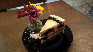 Foto 1 - Makanan(Oreo Peanut Cake) di Scandinavian Coffee Shop oleh Komentator Isenk