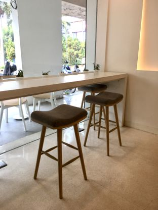 Foto 23 - Interior di Aiko Coffee oleh Prido ZH