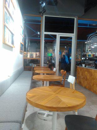 Foto 3 - Interior di Ombe Kofie oleh Renodaneswara @caesarinodswr