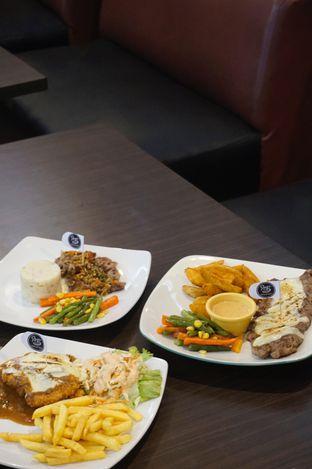 Foto 14 - Makanan di RAY'S Steak & Grill oleh yudistira ishak abrar