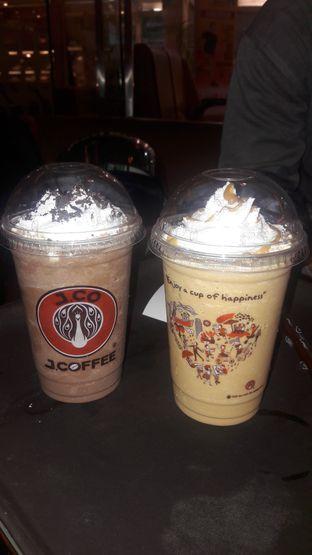 Foto review J.CO Donuts & Coffee oleh Dzuhrisyah Achadiah Yuniestiaty 1