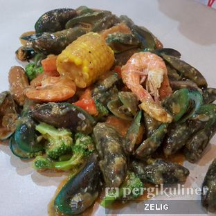 Foto 2 - Makanan(Prawns Combo) di Cut The Crab oleh @teddyzelig