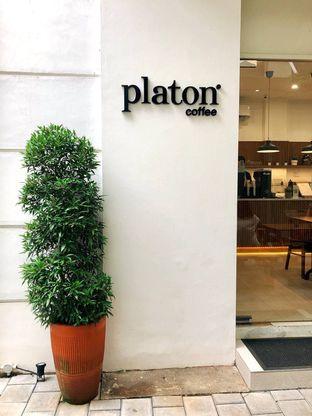 Foto 3 - Interior di Platon Coffee oleh kdsct