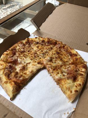 Foto 1 - Makanan di Domino's Pizza oleh Nanakoot