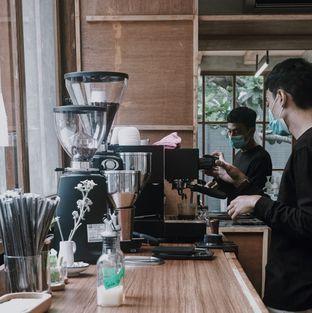 Foto 6 - Interior di Kyo Coffee oleh Della Ayu