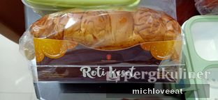 Foto review Holland Bakery oleh Mich Love Eat 1