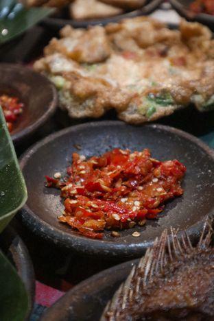 Foto 7 - Makanan di Waroeng SS oleh thehandsofcuisine