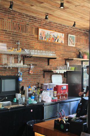 Foto 6 - Interior di Finch Coffee & Kitchen oleh Prido ZH