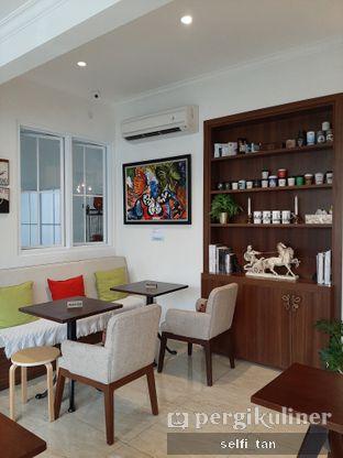Foto 8 - Interior di Caffeine Suite oleh Selfi Tan