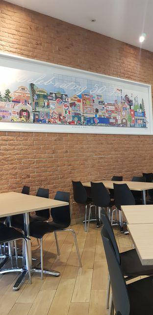 Foto 6 - Interior di Domino's Pizza oleh Meri @kamuskenyang