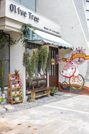 Foto 1 - Eksterior di Olive Tree House of Croissants oleh dini afiani