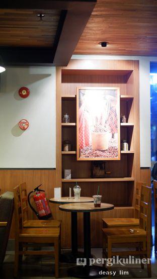 Foto 9 - Interior di Starbucks Coffee oleh Deasy Lim
