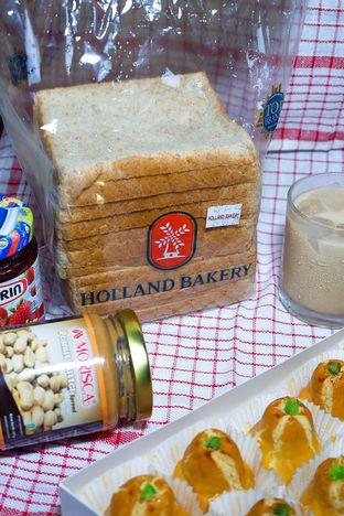 Foto review Holland Bakery oleh yudistira ishak abrar 5