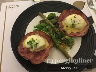 Foto - Makanan(Eggs Benedict) di Common Grounds oleh Merry Lee