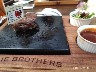Foto 3 - Makanan di Willie Brothers Steak and Cheese oleh Devid Flambo