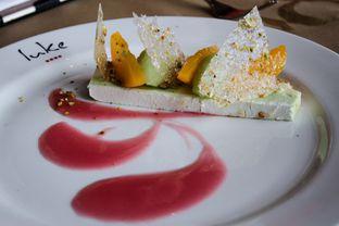 Foto 18 - Makanan(Wal nut and pistachio terrine, peaches, apple sorbet) di Salt Grill oleh Wisnu Narendratama