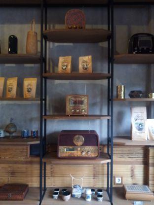 Foto 1 - Interior di Kopi Warga oleh Chris Chan