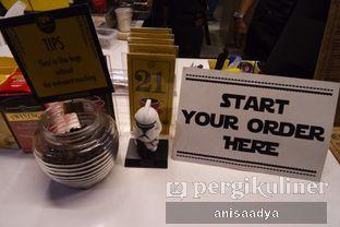 Foto 9 - Interior di Yellow Truck Coffee oleh Anisa Adya