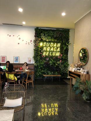 Foto 8 - Interior di Kaca Coffee & Eatery oleh Mitha Komala
