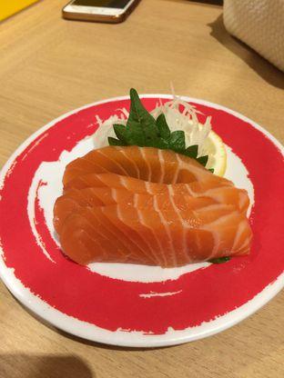 Foto 3 - Makanan(Salmon Sashimi) di Genki Sushi oleh Elvira Sutanto