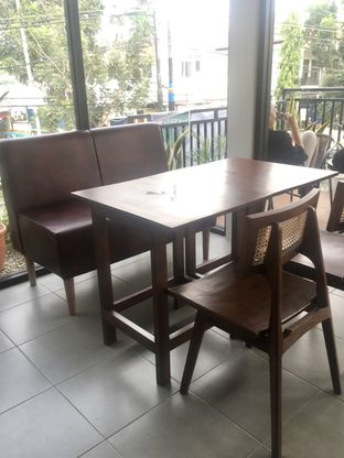 Foto 14 - Interior di Likely Cafe & Resto oleh Prido ZH