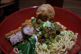 Foto 1 - Makanan(Fooking Awesome) di Fook Mee Noodle Bar oleh Elvira Sutanto