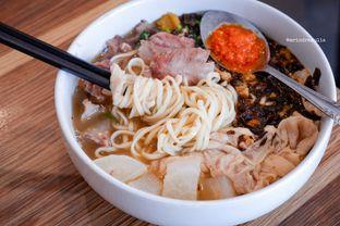 Foto 3 - Makanan di Soto Mie AGIH Sukabumi oleh Indra Mulia