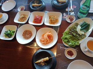 Foto 1 - Makanan(banchan) di Samwon Garden oleh Picky Eater