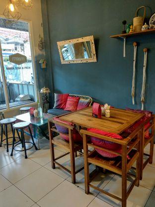 Foto 6 - Interior di Warung Maem oleh Ika Nurhayati
