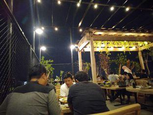 Foto review Republika Cafe & Resto oleh Putra  Kuliner  7