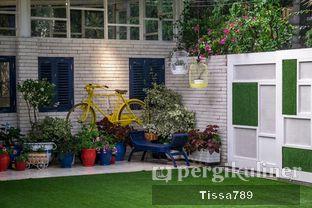 Foto 8 - Interior di Orofi Cafe oleh Tissa Kemala
