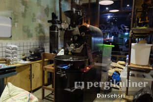 Foto 5 - Interior di Coffee Smith oleh Darsehsri Handayani