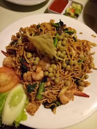 Foto 3 - Makanan di RM Pondok Lauk oleh @duorakuss