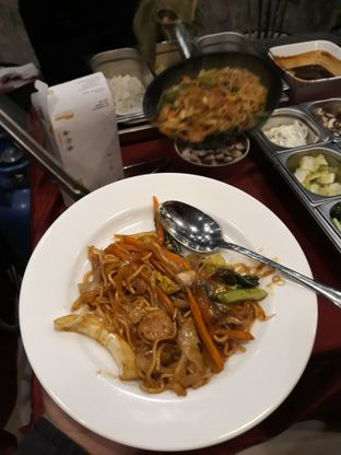 Foto review Asoka Rooftop Restaurant - Aston Kartika Grogol Hotel & Conference Center oleh Dani Allamsyah 4