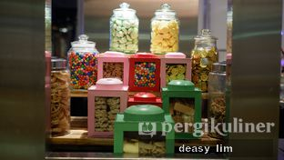 Foto 21 - Interior di OPEN Restaurant - Double Tree by Hilton Hotel Jakarta oleh Deasy Lim