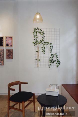Foto 7 - Interior di DnA Coffee & Eatery oleh Shella Anastasia