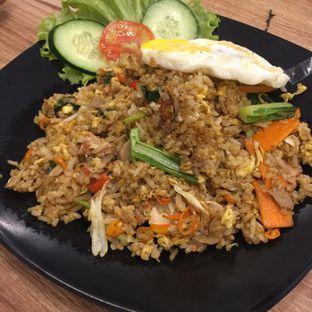 Foto 3 - Makanan(Nasi Goreng Gila) di OTW Food Street oleh Anne Yonathan