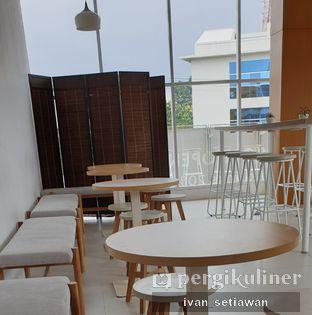 Foto 4 - Interior di Oi Coffee & Eatery oleh Ivan Setiawan