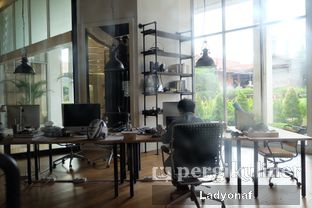 Foto 11 - Interior di Makna Coffee oleh Ladyonaf @placetogoandeat