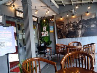 Foto 5 - Interior di Dulu Kala Coffee & Barbershop oleh PemakanSegala