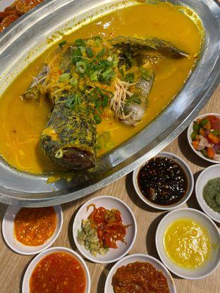 Foto 7 - Makanan di Rezeki Seafood oleh Levina JV (IG : @levina_eat & @levinajv)