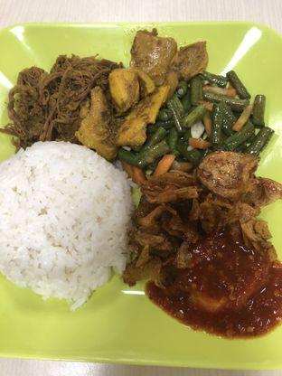 Foto - Makanan di Nasi Empal Pengampon oleh @yoliechan_lie