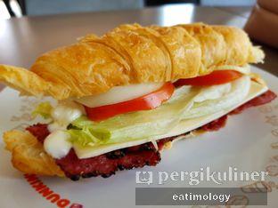 Foto 3 - Makanan di Dunkin' Donuts oleh EATIMOLOGY Rafika & Alfin